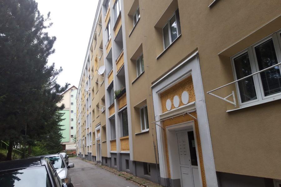 PREDANÝ – Predaj slnečného 2 ib na Švermovej ulici, širšie centrum B. Bystrice