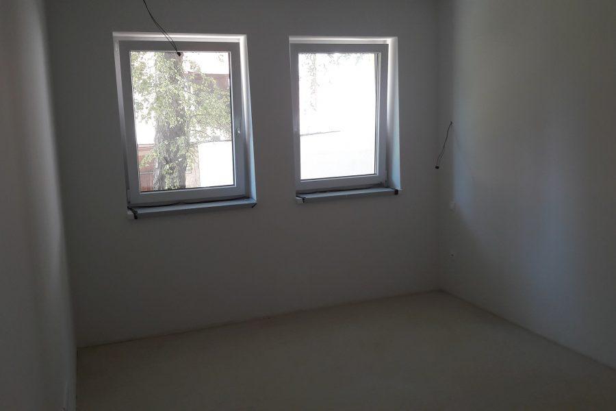 PREDANÝ – Posledný 3 izb. byt na predaj v parku v priamom centre mesta BB, 99