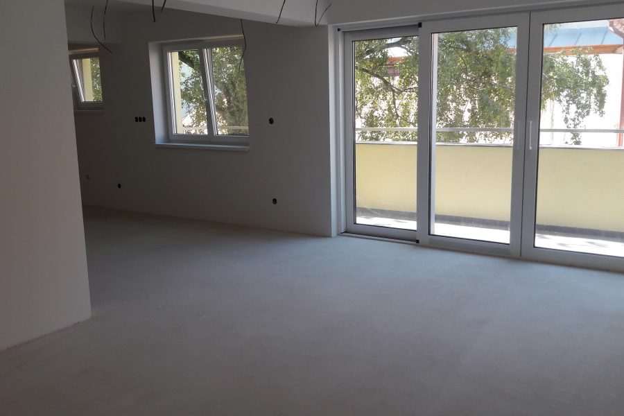 PREDANÝ – Mezonetový 4 izb. byt v centre mesta s výhľadom na zeleň, byt: 127 m2 – terasa: 25 m2