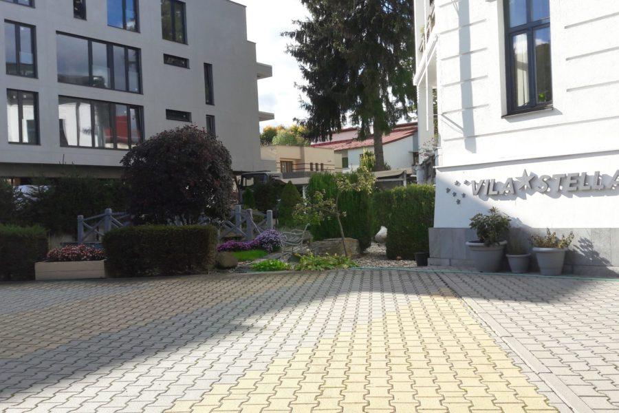 PRENAJATÉ – Kancelárske priestory v historickej budove v centre BB, 160 m2, 1.200 eur/mes.