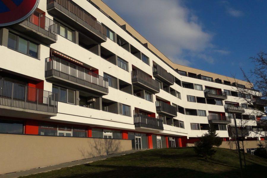 PRENAJATÝ – Obchodný priestor na prenájom, 54 m2, Jesenský vŕšok B. Bystrica