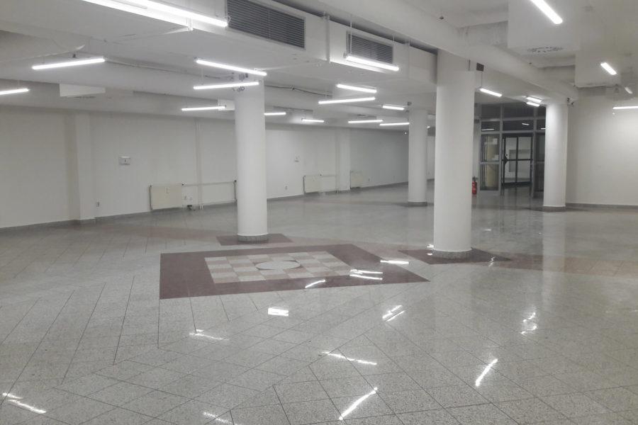 PRENAJATÝ – Obchod. priestor 331,4 m2 na prenájom, centrum BB