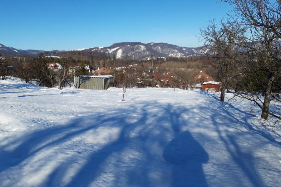 PREDANÝ – Slnečný pozemok s krásnym výhľadom, Králiky (B. Bystrica)