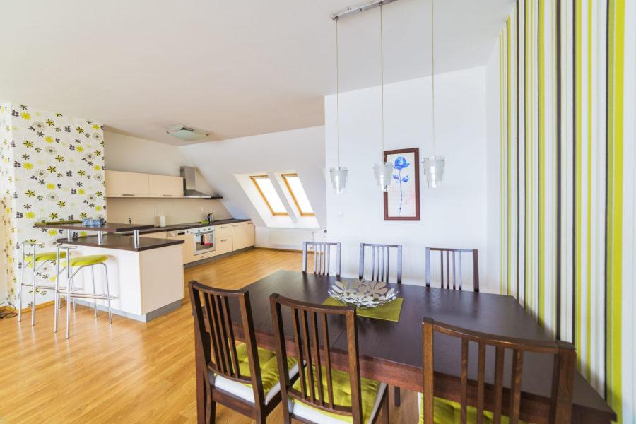 PRENAJATÝ – Priestranný 4 izb. byt na prenájom pre náročných klientov, Belveder B. Bystrica