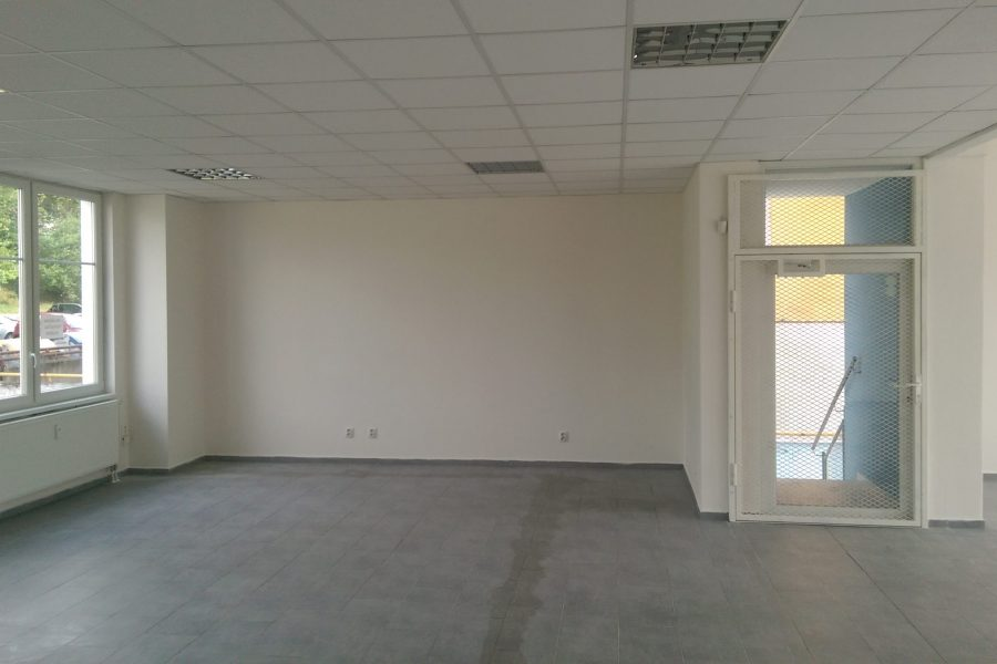 PRENAJATÁ – Kancelária na prenájom, 43 m2, 450 eur/mes. / novostavba K1, Sásová /