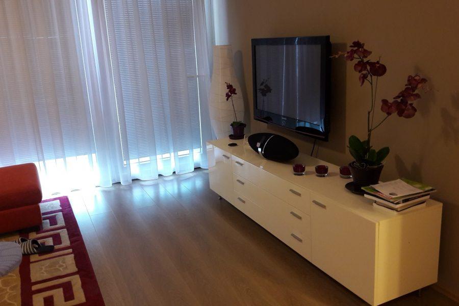 PRENAJATÝ – Luxusný 3 izbový byt na prenájom v centre mesta za výbornú cenu