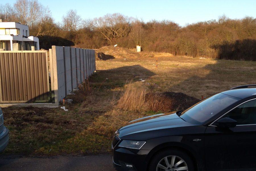 PREDANÝ – Predaj stavebného pozemku 691 m2 na výstavbu rodinného domu, obec Dolná Ždaňa