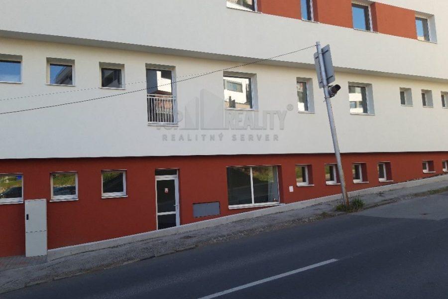 Predaj nebytových priestorov v novostavbe v centre mesta Banská Bystrica (rôzne m2)